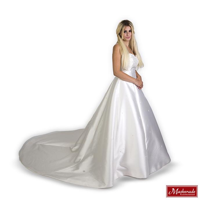 Trouwjurk Satijn.Elegante Witte Bruidsjurk Van Satijn Huren Bij Maskerade Kledingverhuur